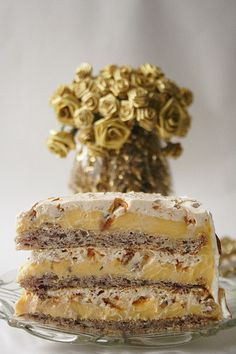 Torte Egyptian~ impress your guests with this fabulous dessert with pralines and creamy layers. Bon Dessert, Eat Dessert First, Just Desserts, Delicious Desserts, Yummy Food, Sweet Recipes, Cake Recipes, Dessert Recipes, Food Cakes