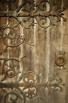 I love the scroll work on this old door