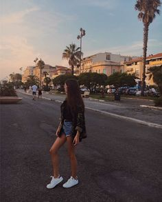 Tumbr Girl, Foto Instagram, Pinterest Photos, Foto Pose, Aesthetic Photo, Picture Poses, Insta Pic, Photography Poses, Cute Pictures