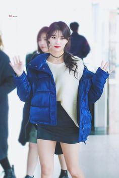 LOVELYZ MiJoo Fashion Idol, Kpop Fashion, Girl Fashion, Airport Fashion, Kpop Girl Groups, Kpop Girls, Lovelyz Mijoo, Lee Young, Woollim Entertainment