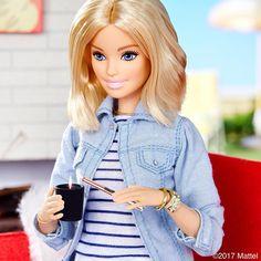 "39.1K 次赞、 163 条评论 - Barbie® (@barbiestyle) 在 Instagram 发布:""You know I love to light up a room! #barbie #barbiestyle"""