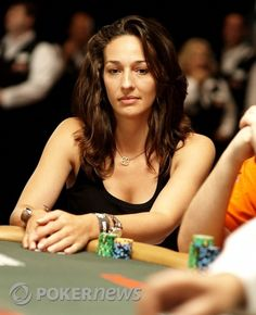 Kara Scott is a Canadian tv personality, journalist and poker player. #poker #babes