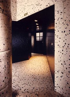"""ESPRIT"" Flagship shop Köln 1987 by Sottsass Associati (Ettore Sottsass + Shuji Hisada) photo by Aldo Ballo"