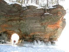 Mainland Caves keyhole sunshine // Apostle Islands Sea Caves! Cant wait!! // also http://wavesatseacaves.cee.wisc.edu/index.htm