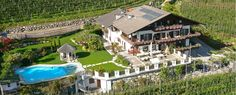 Unterkunft in familiärem Ambiente - Pension & Appartement Valtnaungut in Lana, Hotel bei Meran, Unterkunft Südtirol