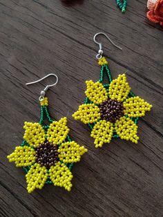 Beaded Earrings Native, Beaded Earrings Patterns, Seed Bead Necklace, Seed Bead Jewelry, Diy Earrings, Beaded Bracelets, Flower Earrings, Beaded Flowers Patterns, Beading Patterns
