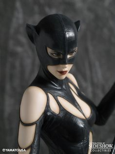 Check out DC Comics' Catoman in the Catwoman Fantasy Figure Gallery Luis Royo Statue, limited to pieces and coming with a certificate of authenticity. Catwoman Character, Character Art, Character Design, Dc Comics Collection, Traditional Sculptures, Batman, Superman, Popular Kids Toys, Fantasy Figures