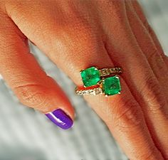 4.10 Carats Bypass Ring with Natural Fine Colombian Emerald & Diamond18K Gold