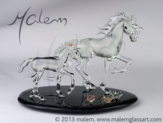 Mare and Foal Unique Glass sculpture flameworked by Malem Lampworking, Horse Photos, Equine Art, Glass Jewelry, Glass Art, Sculptures, Horses, My Favorite Things, Unique
