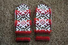 Knit Mittens, Knitting Socks, Knit Socks, Vintage Cross Stitches, Hand Warmers, Ravelry, Free Pattern, Knit Crochet, Gloves