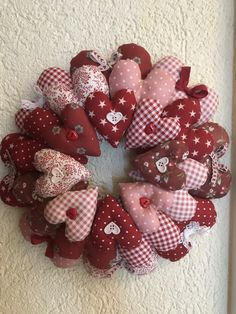 Christmas Wreaths, Shabby Chic, Quilts, Boutique, Holiday Decor, Photos, Home Decor, Scrappy Quilts, Romanticism
