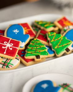 desserts How To Decorate Shortbread Holiday Cut-Out Cookies With Royal Icing Recipe by Tasty Shortbread Cookies With Icing, Soft Sugar Cookies, Cookie Icing, Cut Out Cookies, Royal Icing Cookies, Christmas Treats, Christmas Baking, Cookie Recipes, Dessert Recipes
