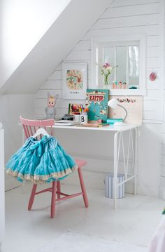 Very nice. The baseboards need caulking and my kids would never keep a white room clean but the design is fabulous!