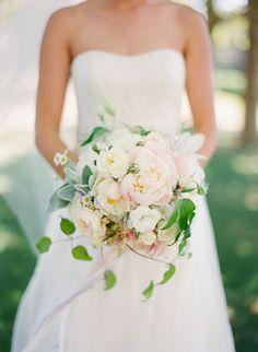 The classic bouquet shot