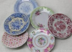 how to: faux china plates - now that i've picked my jaw off the floor - wow why is it I really love miniature stuff? and I do not have a doll house.
