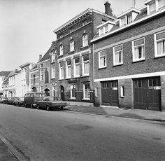 Bergen op Zoom: Destileerderij S. De Winter. Potterstraat 1968
