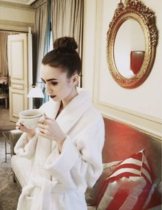 Find images and videos about girl, love and fashion on We Heart It - the app to get lost in what you love. Sandra Bullock, Beautiful People, Beautiful Women, Jamie Campbell Bower, Lily Collins, Fort Collins, British Actresses, Woman Crush, Girl Crushes