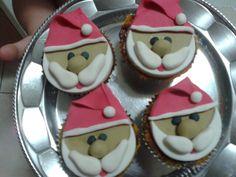Cupcake com top em pasta americana