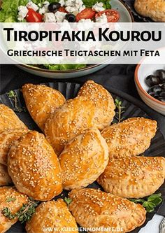 Knusprige Teigtaschen mit einer herzhaften Feta-Kr… Finger food from Greece. Crispy dumplings with a hearty feta and herb filling. Taste warm and cold. Perfect for barbecues and parties, or as a snack on the go … # dumplings Keto Crockpot Recipes, Ketogenic Recipes, Slow Cooker Recipes, Chicken Recipes, Homemade Tortilla Chips, Homemade Tortillas, Sicilian Recipes, Greek Recipes, Feta