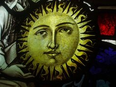 I like the face of this sun Vintage Moon, Stained Glass Paint, Sun Tattoos, Moon Face, Sun Moon Stars, Sun Art, My Secret Garden, Ikon, Medieval