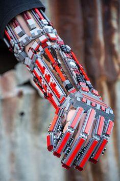 bras-arm-exosquelette-lego-7 [683 x 1024]