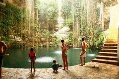 Mexico: Chichén Itzá, Cenote Ik Kil (Yucatán)