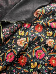 Hyderabad Style Hand Embroidered Fine Wool Shawl With Pashmina Pallas Kashida Embroidery, Indian Embroidery, Hand Embroidery, Pashmina Shawl, Kashmiri Suits, Monday Outfit, Indian Suits, Shalwar Kameez, Embroidery