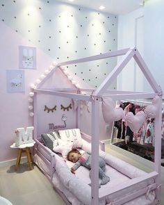 40 entzückende neutrale Kinderzimmer-Ideen 40 adorable neutral nursery ideas – Dark but calming living room ideas.