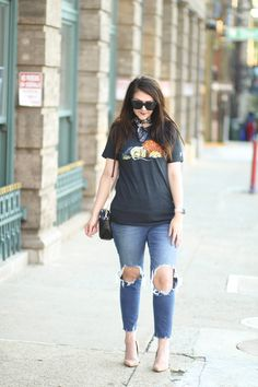 3bd50add284d Graphic tee outfit, fall outfit Graphic Tee Outfits, Graphic Tees, Hocus  Pocus,
