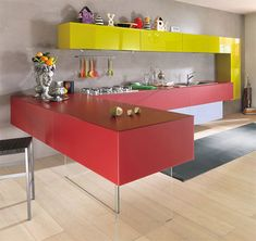 Modern Red and Yellow Kitchen Furniture by Lago Kitchen Cabinet Colors, Kitchen Sets, Kitchen Colors, Tidy Kitchen, Compact Kitchen, Stylish Kitchen, Beautiful Kitchens, Cool Kitchens, Colorful Kitchens