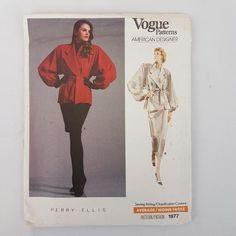 Coat Pattern Sewing, Skirt Patterns Sewing, Jacket Pattern, Vogue Dress Patterns, Mode Mantel, Mens Turtleneck, Vintage Floral Fabric, Perry Ellis, Fabric Strips