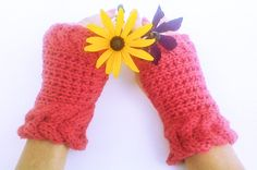 Hey, I found this really awesome Etsy listing at https://www.etsy.com/listing/200275605/rust-red-horseshoe-cable-gloves-delicate