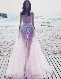 f4df204c1fcb Mariya Zakir wedding dress....for that beautiful beach wedding  Brudepigekjoler