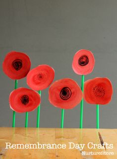 An beautiful poppy wreath Remembrance Day craft for kids - and easy poppy craft for kids.