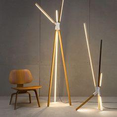 Luminárias Big Bang e Middle Bang, da Stickbulb. Design do escritório RUX. #design #luminárias #formas #lamps #shapes #iluminação #lighting #lightingdesign #lamp #interior #interiores #artes #arts #art #arte #decor #decoração #architecturelover #architecture #arquitetura #projetocompartilhar #davidguerra #shareproject #bigbangstickbulb #middlebangstickbulb #stickbulb #ruxdesign