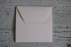 Dex Druk Cracow www.dex-druk.pl info@dex-druk.pl Nowość! Opakowania na CD (do samodzielnego złożenia). Wykonane z ozdobnego papieru o fakturze płótna, kolor biały. cena: 2 zł za czyste pudełko (zamówienia już od 1 szt.) cena: 2,5 zł za pudełko z wygrawerowanym LOGO 9minimum zamówienia 10 szt.) Dostępne również inne kolory: bordowy i granatowy o fakturze skóry www.dex-druk.pl info@dex-druk.pl