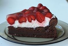 Čokoládový dort s jahodami Dessert Recipes, Desserts, Cheesecake, Food, Meal, Deserts, Cheesecakes, Essen, Hoods