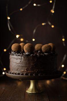 Chocolate cake with Parisian cream © Reka Csulak Parisian Cake, Halloween Cakes, Cupcake Cakes, Cupcakes, Cream Recipes, Cream Cake, Let Them Eat Cake, Amazing Cakes, Chocolate Cake