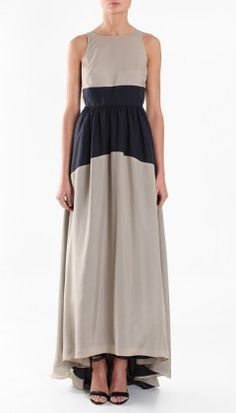 the middle part of the dress is a little unflattering, but the overall silhouette is pretty