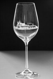 Luxusní sklenice na víno s pískovaným motivem - PRAHA HRADČANY
