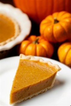 Celebrate the combination of pumpkin and spice with these yummy autumn dessert recipes, from sweet pumpkin pie to spiced pumpkin cake. These pumpkin desserts are perfect for Thanksgiving or Halloween. Fall Dessert Recipes, Raw Food Recipes, Holiday Recipes, Holiday Desserts, Healthy Recipes, Coconut Sugar Recipes, Oat Chocolate Chip Cookies, Pumpkin Pudding, No Sugar Foods