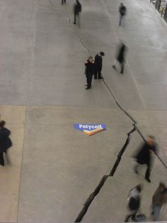 Trompe l'oeil advertising best of dossier creativity inspiration example ambient marketing floor sol sticker collage 9 repinned by www.BlickeDeeler.de