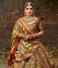 Indian Bridal, Beautiful Bride, Indian Fashion, Wedding Decorations, Sari, Wedding Photography, Romantic, Poses, Couples