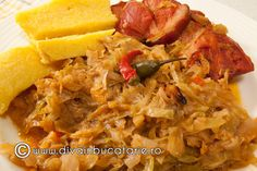 VARZA MURATA CALITA LA CUPTOR CU CIOLAN AFUMAT | Diva in bucatarie Romanian Food, Cabbage Recipes, Risotto, Macaroni And Cheese, Deserts, Pork, Pizza, Healthy Recipes, Meals