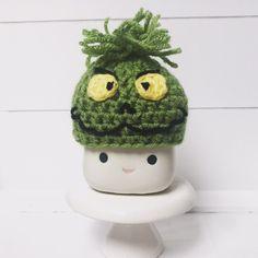 Grinch Inspired Marshmallow Mug Hat on Mercari Grinch Christmas Party, Christmas Ornament Crafts, Holiday, Crochet Dishcloths, Crochet Hats, Marshmallow Crafts, Valentine Hats, Cute Marshmallows, Crate Decor