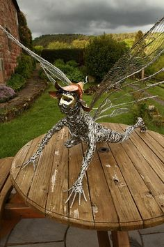 563 Fantastic Wire Sculpture by Fantasywire Robin Wright