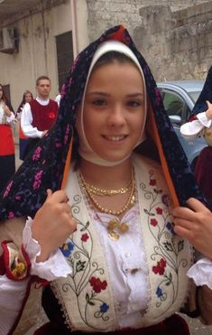 Sardinian Folk Costumes - Costumi Sardi: Ploaghe/Piàghe