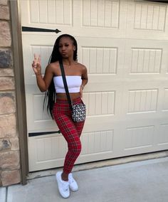 Mar 2020 - Best Picture For tomboy outfits converse For Your Taste You are looking for something, and it is goi Swag Outfits For Girls, Teenage Girl Outfits, Tomboy Outfits, Cute Swag Outfits, Basic Outfits, Teenager Outfits, Dope Outfits, Teen Fashion Outfits, Trendy Outfits