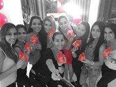 Customized Pink Rosexy on a Pink Birthday Soooo Pink und einzigartig können Geburtstage sein. Esra, eine Schulkollegin, hat sich eine super-Pink-Geburtstagsparty gewünscht und mich gefragt ob ich ihr die Rosexy wie folgt liefern kann: Pinke Rosexy mit Rosenknospen in Pinken Beutelchen mit Pinken Banderolen inkl. Name der jeweiligen Freundin. Jede einzelne Rosexy wurde mit dem den Namen der Freundinnen beschriftet und sorgfältig verpackt. Super, Che Guevara, Pink, Soaps, Girlfriends, Birthdays, Names, Unique, Pouch