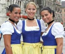 Lufthansa gets in the mood for Oktoberfest with flight crew decked out in traditional German costumes: lederhosen and dirndl. Azul Brazilian Airlines, Stewardess Costume, German Costume, Airline Cabin Crew, Get In The Mood, Crazy Outfits, Good Looking Women, Trends, Flight Attendant